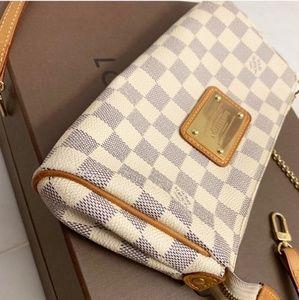 Louis Vuitton crossbody purse